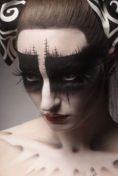 Tim Burton inspired makeup - next year's Halloween make up! Pretty Halloween, Halloween Party, Vintage Halloween, Holidays Halloween, Halloween Costumes, Fx Makeup, Makeup Ideas, Dark Makeup, White Makeup