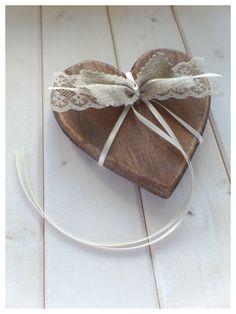 *handmade* Handmade 20er / 30er Jahre Vintage Hochzeit Accessoires - Deko Herz (Ringkissen Alternative) aus Holz im Shabby Chic Look verarbeitet (braun gestrichen mit used Look Flächen,...