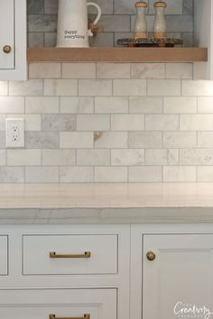 32 Popular Kitchen Backsplash Decorating Ideas And Remodel. If you are looking for Kitchen Backsplash Decorating Ideas And Remodel, You come to the right place. Below are the Kitchen Backsplash Decor. Modern Farmhouse Kitchens, Rustic Kitchen, Home Kitchens, Kitchen Modern, Minimal Kitchen, Functional Kitchen, Farmhouse Sinks, Country Kitchens, Farmhouse Style