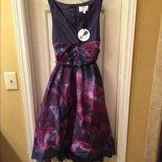 Lela Rose NWT watercolor dress NWT dress has a self fabric liner along with a second layer of chiffon that gives the dress a full beautiful shape Dress has a back zip closure retail tags attached Lela Rose Dresses Midi