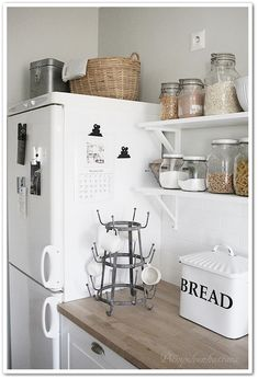 Cottage Interiors, Rustic Interiors, Cozinha Shabby Chic, Los Angeles Apartments, Hygge Home, Cozy Cottage, Ikea, Minimalist Home, Vintage Kitchen