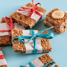 {recipe} Peanut Butter-Pretzel-Banana Granola Bars. On or off the slopes.