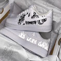 Dr Shoes, Cute Nike Shoes, Swag Shoes, Hype Shoes, Nike Custom Shoes, Custom Made Shoes, Shoes Jordans, Air Jordans, Jordan Shoes Girls