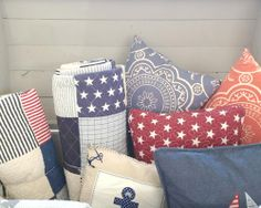 Cojines decoración naútica | Tienda online 'Barquitos' • Nautical inspired cushions Cases, Throw Pillows, Bed, Creative, Home, Beautiful Things, Boats, Store, Toss Pillows