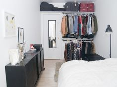 My new house ideas 45 Ideen Schlafzimmer Schrank DIY Studio-Apartments Modern Furniture 101 As the n Small Closet Space, Small Space Bedroom, Small Space Storage, Small Closets, Small Spaces, Extra Storage, Wardrobe Storage, Clothing Storage, Wardrobe Closet