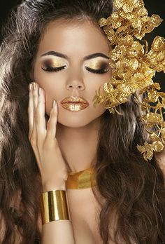 Maquillaje de oro Makeup Inspo, Makeup Art, Makeup Inspiration, Beauty Makeup, Eye Makeup, Hair Makeup, Make Up Looks, Maquillage Halloween, Halloween Makeup