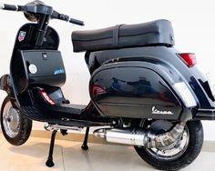 Vespa Smallframe, Classic Vespa, Vespa Scooters, Cars And Motorcycles, Motorbikes, Automobile, Nice, Board, Vespas