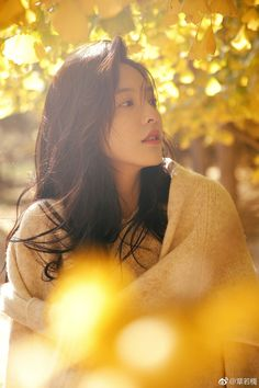 Asian Flowers, Female Character Inspiration, Color Harmony, Winter Photography, Ulzzang Girl, Girl Crushes, Pretty Girls, Cool Girl, Photo Art