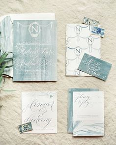 If you love stunning design and romantic details /heyweddinglady/ will have you falling head over heels! We are obsessed with this invitation by @designhouseofmoira captured by @kristaajones on /heyweddinglady/! #aislesociety #aislesocietydebut #weddingblogsunite by aislesociety