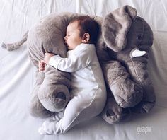Check our annual version of the cool baby names 2016 for boys. Each year, we look at trends around the world to spot the most anticipated baby boy names. Cute Kids, Cute Babies, Future Boy, Cool Baby Names, Lovely Creatures, How To Have Twins, Baby Pillows, Baby Kind, Baby Fever