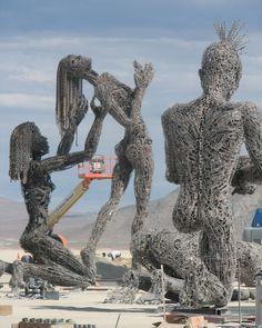 Some huge metal sculptures being assembled. :') #burningman #art #travel