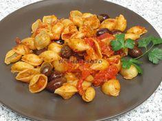 Paste cu roşii şi măsline Paste, Kung Pao Chicken, Shrimp, Pizza, Meat, Ethnic Recipes, Food, Beef, Meals