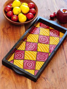 Square Design Contemporaty style Pattachitra Painting Wooden Tray x Worli Painting, Wooden Painting, Pottery Painting, Ceramic Painting, Painted Wooden Boxes, Painted Trays, Wooden Trays, Tile Crafts, Diy Home Crafts