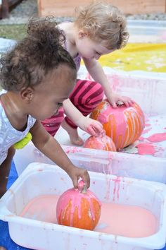 Slimy Pumpkin Fun for Toddlers and Little Ones - Meri Cherry Halloween Crafts For Kids, Fall Crafts, Fall Halloween, Holiday Crafts, Holiday Fun, Halloween Activities, Thanksgiving Crafts, Halloween Pumpkins, Favorite Holiday