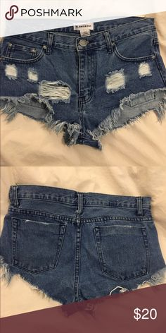 """Denim Shorts Bought from Urban Outfitters. Brand is """"Glamorous"""". Size medium but could also fit a small. Cute & distressed, perfect for summer!  *Hollister, abercrombie, pacsun, peppermayo, lf stores, levi's, urban outfitters* Urban Outfitters Shorts Jean Shorts"""