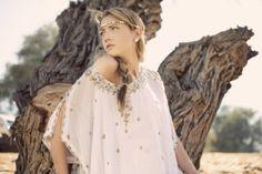 No te pierdas los detalles de un look boho chic nupcial en el blog #Innovias http://innovias.wordpress.com/2013/11/14/inspiracion-innovias-consigue-un-estilo-boho-chic-nupcial/  @La Chimenea de las Hadas