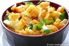 Easy Cauliflower Curry (okay, but when you add tomatoes in a pan with oil, how do you not have an explosion?)