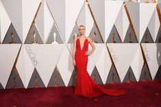 Charlize Theron Photos Photos - Actress Charlize Theron attends the 88th Annual Academy Awards at Hollywood & Highland Center on February 28, 2016 in Hollywood, California. - 88th Annual Academy Awards - Red Carpet Pictures