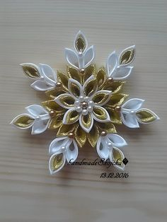 Items similar to Wedding Kanzashi Satin hair clips - White Flower hair accessories on Etsy - Her Crochet Quilling Christmas, Christmas Ornament Crafts, Christmas Crafts, Homemade Christmas, Ribbon Art, Ribbon Crafts, Cloth Flowers, Fabric Flowers, Fabric Ornaments