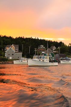 explorers guide maine coast and islands 3rd edition key to a great destination