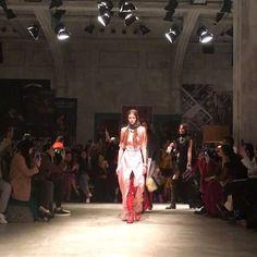 [MFW_Day2] 프라다의 로맨틱한 에스키모 룩 #MFW #하퍼스바자패션위크리포트 @prada  via HARPER'S BAZAAR KOREA MAGAZINE OFFICIAL INSTAGRAM - Fashion Campaigns  Haute Couture  Advertising  Editorial Photography  Magazine Cover Designs  Supermodels  Runway Models