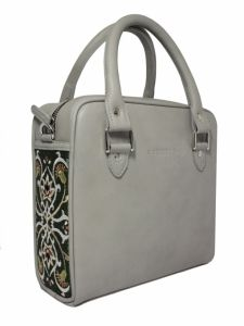 GOSHICO leather bag with embroidered sides FANCY http://www.mybags.co.uk/goshico-leather-bag-with-embroidered-sides-fancy.html