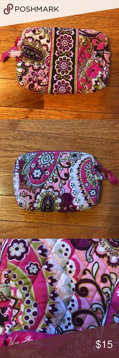 Vera Bradley makeup pouch Lightly used. Synthetic lining inside to protect. Can be used for anything- stationary, makeup etc Vera Bradley Accessories
