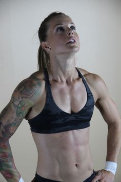 Tattoo and Beauty and Crossfit: Christmas Abbott. First female Nascar pit crew member and amazing crossfitter. Breaking down walls. Crossfit Body, Crossfit Women, Crossfit Athletes, Fitness Goals, Fitness Motivation, Post Baby Workout, Christmas Abbott, Bionic Woman, Sport Girl