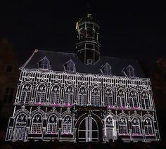 Hôtel de Ville de Mons, illuminations, la légende des anges protecteurs de Mons