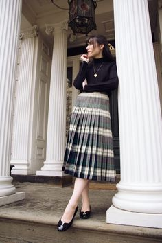 Pleated Skirts, Long Skirts, Cute Skirts, Turtleneck Outfit, Black Turtleneck, Mode Inspiration, Dress Me Up, Outfit Of The Day, Classic Style
