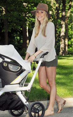 Kristin Cavallari Walking baby Jax June 2014