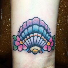 Little traditional sea shell I made on Michelle! <3 Thanks ladies! #foreveryoungtat... | Use Instagram online! Websta is the Best Instagram Web Viewer!