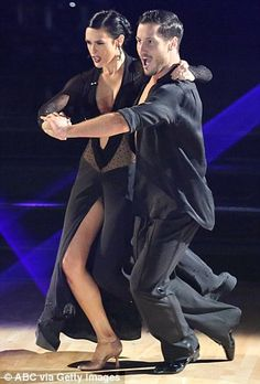 Rumer Willis and Val Chmerkovskiy win Dancing With The Stars #dailymail