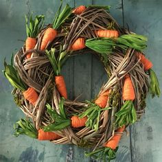 Carrot And Twig Easter Wreath Easter Tree Decorations, Easter Wreaths, Spring Wreaths, Holiday Decorations, Easter Centerpiece, Table Centerpieces, Diy Osterschmuck, Diy Ostern, Easter Party