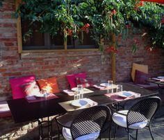 #tavern #dehor #tuscanytavern #summerdinners #villalalodola #tuscany