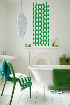 Stencil Feature Wall - Bathroom Ideas - Tiles, Furniture & Accessories (houseandgarden.co.uk)