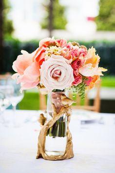 Flowers for a winter wedding? | Photo: Allison Davis Photography
