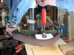 Drill press into belt sander The small improvement of a  weird Belt Sander.ボール盤ベルトサンダー小改良