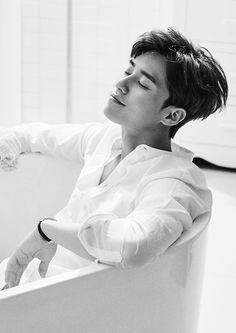 Top 25 Most Famous Korean Actors,Famous Korean Actors. Choose your favourite Famous Korean Actors one and vote for him Park Seo Joon, Seo Kang Joon, Sung Joon, Lee Joon, Lee Dong Wook, Ji Chang Wook, Liking Park, Asian Actors, Korean Actors
