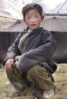 Nomad girl in Tibet