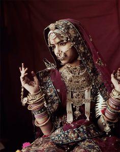 ジミー・ネルソン(Jimmy Nelson) > BEFORE THEY PASS AWAY(http://www.beforethey.com/) > (彼らが消えて行く前に) > 少数民族の文化を記録したプロジェクト > ラバリ (インド)