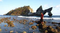 Pantai Atuh - 4 Tempat Wisata di Nusa Penida Bali dengan View Mempesona