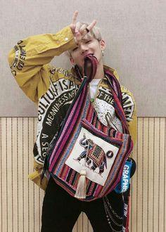 Hyun Suk, Idole, Kpop, Treasure Boxes, Beautiful Boys, My Bags, Christmas Sweaters, How To Look Better, Korea