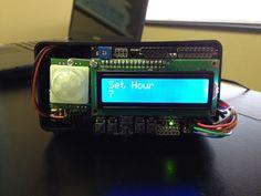 Relógio LCD, despertador e temporizador com detecção de movimento no Arduino
