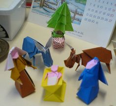 A Nativity in origami / Une crèche en origami by Kwalestafar, via Flickr