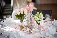 Elegante Tischdekoration bei der Hochzeit Elegant table decoration at the wedding / the Wedding Table Decorations, Bridal Shower Decorations, Centerpiece Decorations, Wedding Centerpieces, Wedding Songs, Diy Wedding, Wedding Flowers, Table Wedding, Elegant Table