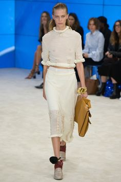 #Loewe   #fashion   #Koshchenets      Loewe Spring 2017 Ready-to-Wear Collection Photos - Vogue