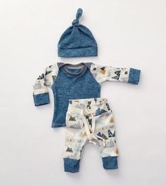 Baby boy coming home outfit // boy take home outfit // baby boy// baby clothes boy // organic baby // baby shower - Nähen - Baby Ideas Newborn Boy Clothes, Baby Outfits Newborn, Baby Boy Newborn, Cute Baby Clothes, Baby Boys, Baby Boy Outfits, Kids Outfits, Hat Outfits, Kids Boys