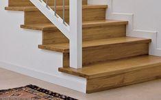 El perfil 5 en 1 es nuestro mejor aliado para el forrado de escalera Stairs, Staircases, Home Decor, Ideas, Patio Stairs, Floating Stairs, House Staircase, White Flats, Laminate Flooring