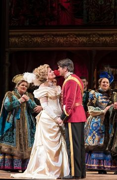 """""""Merry Widow"""" Met Opera 2014. Renee Fleming as Hannah"""